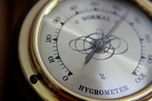 Antikes Hygrometer zum Luftfeuchtigkeit messen