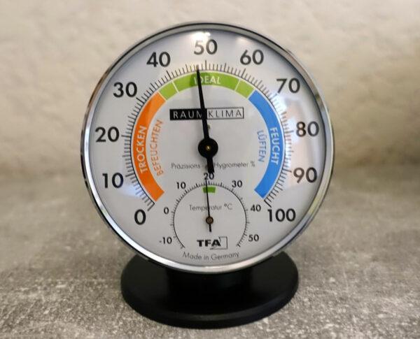 Luftfeuchtigkeit messen mit Messgerät
