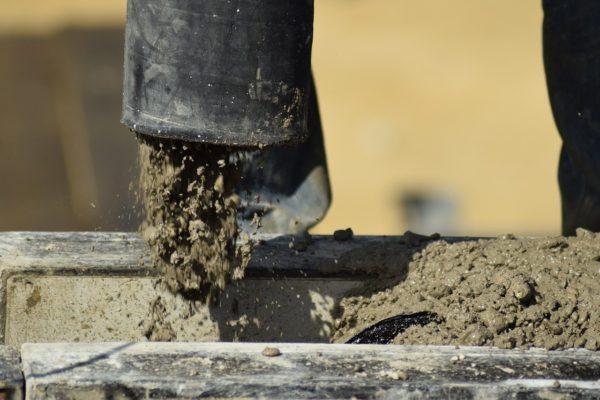 Beton oder Estrich trocknen